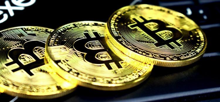Market Cap Melts Below $900b As the Demand for Bitcoin Drops
